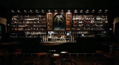 Seafront bar Hong Kong
